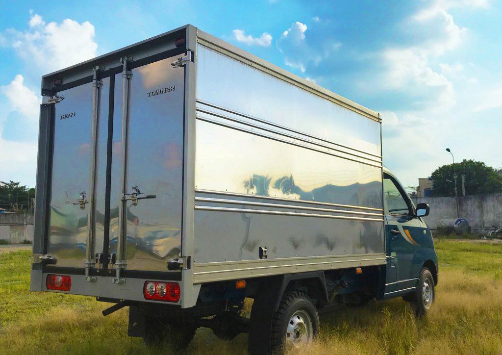 Xe tải nhỏ Thaco Towner 990 Thùng Kín màu Xanh Dương