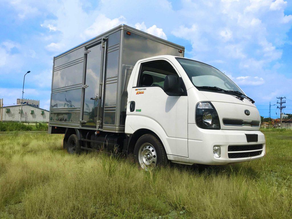 phía-trước-cabin-xe-tải-kia-k200-thùng-kín