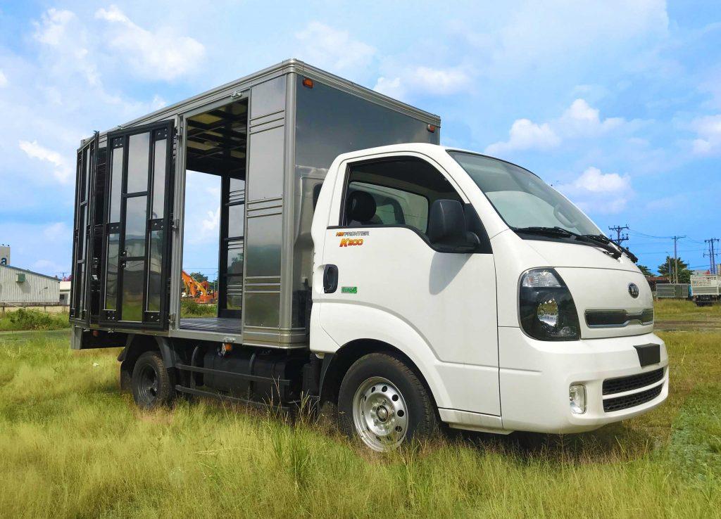 cửa-hông-xe-tải-kia-k200-thùng-kín