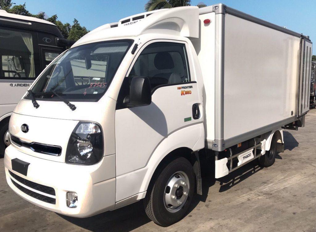 xe tải nhẹ thaco kia k250 thùng đông lạnh màu trắng