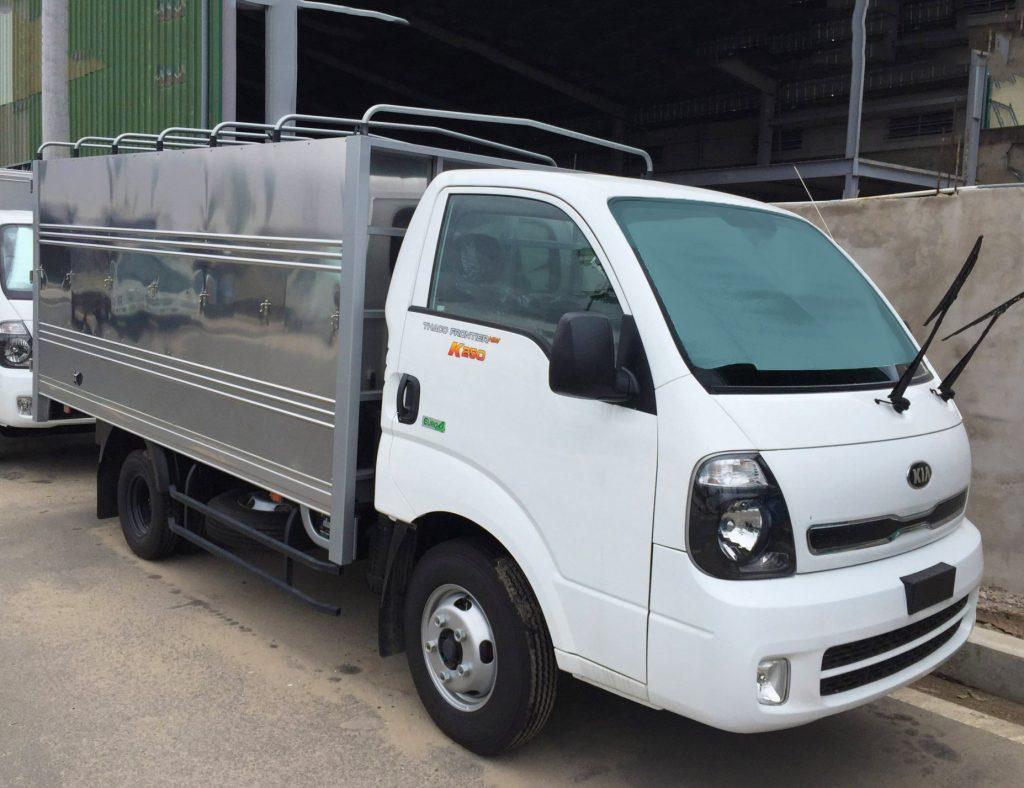 xe tải nhẹ thaco kia k250 thùng mui bạt mới đóng từ chassis màu trắng