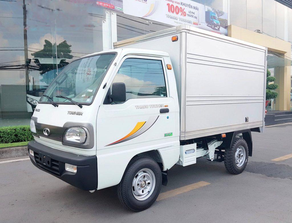 xe tải nhỏ thaco towner 800 thùng kín màu trắng