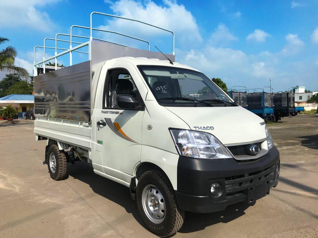 xe tải nhỏ thaco towner 990 thùng mui bạt màu trắng
