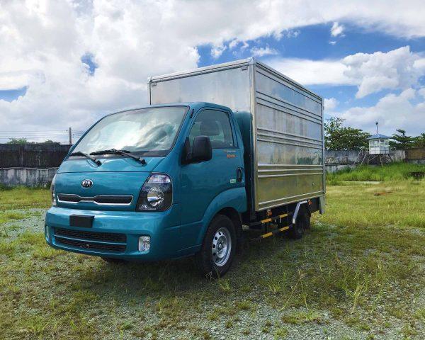 phía-trước-cabin-xe-tải-kia-k200-thùng-kín-bửng-nâng