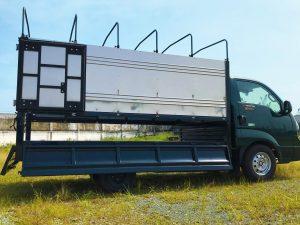 mở-bửng-xe-tải-kia-k200-thùng-bạt
