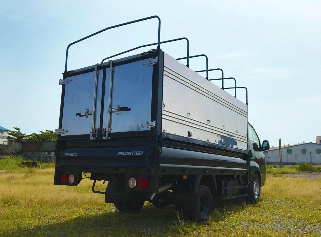Xe tải nhẹ Thaco Kia K200 tải trọng 1,9 tấn Thùng mui bạt màu xanh rêu