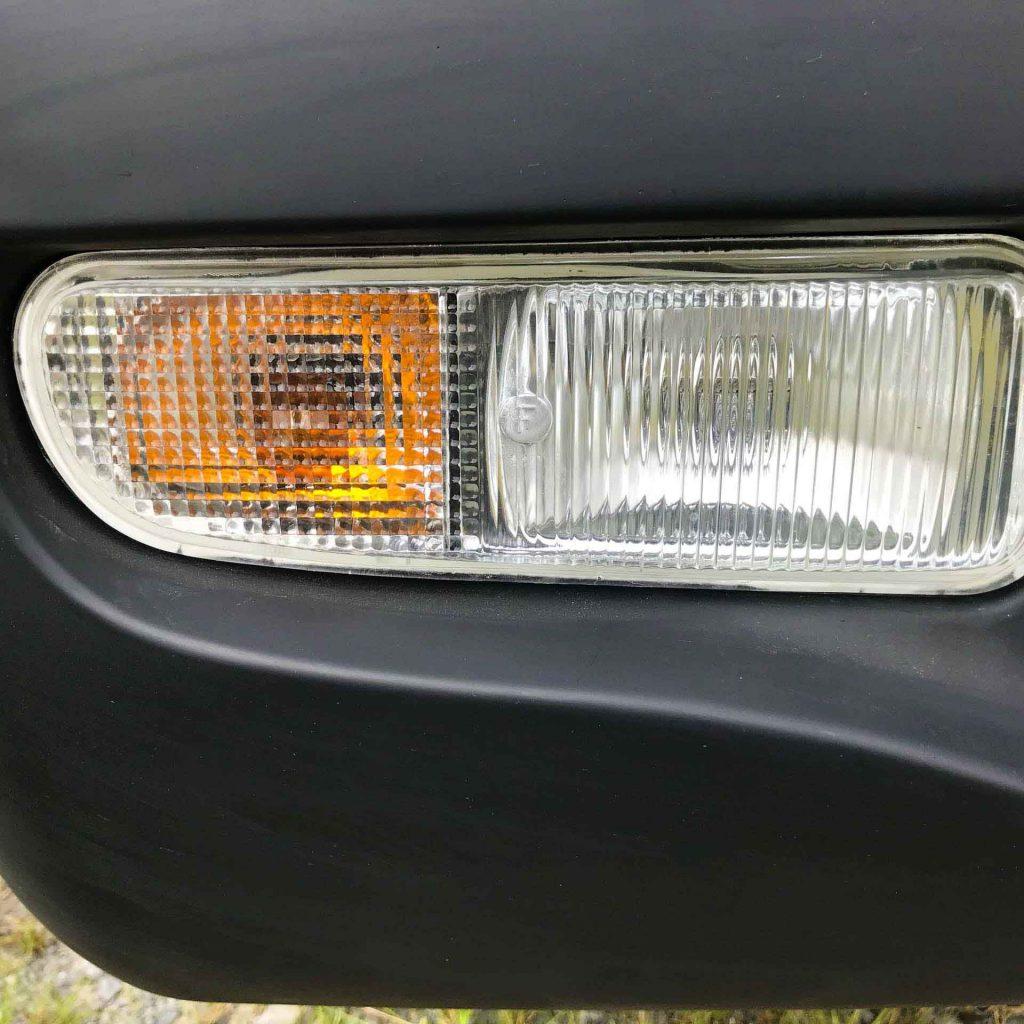 cụm đèn sương mù và đèn xi nhan xe tải nhỏ thaco towner 800