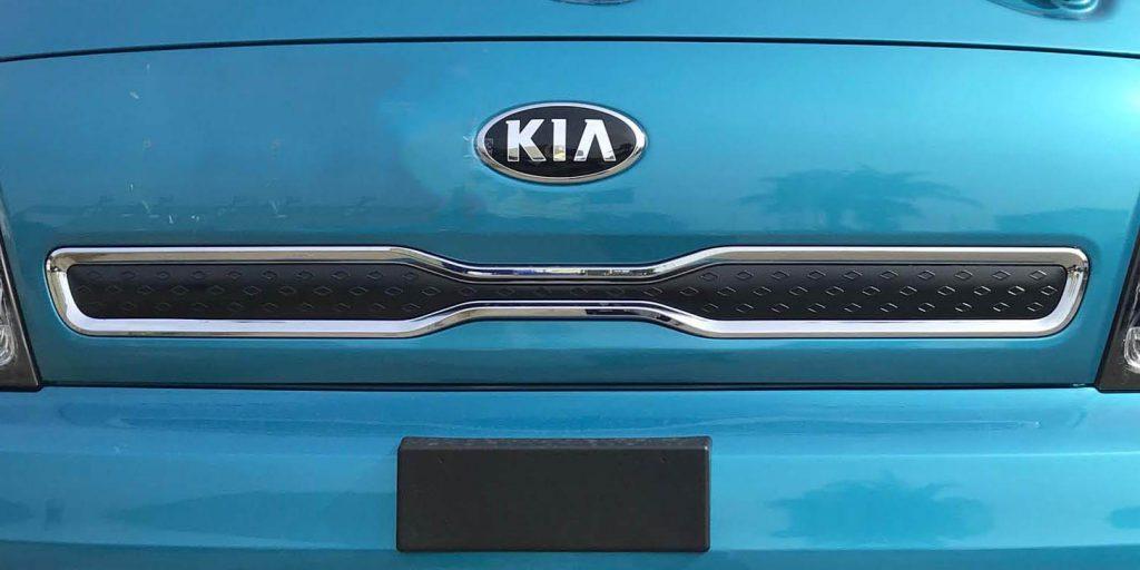 logo kia và mặt ca lăng xe tải nhẹ thaco kia k200