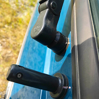 vòi xịt nước rửa kiếng xe tải nhỏ thaco towner 800