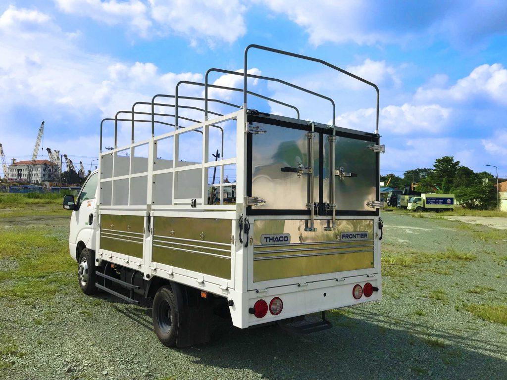 xe tải nhẹ Thaco Kia K250 2,49 tấn Thùng Mui Bạt 5 bửng màu trắng
