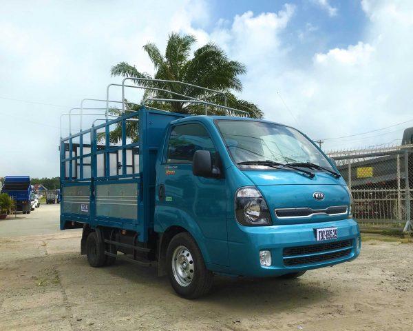 phía-trước-cabin-Xe-tải-Thaco-Kia-K200-Thùng-Mui-Bạt-5-bửng