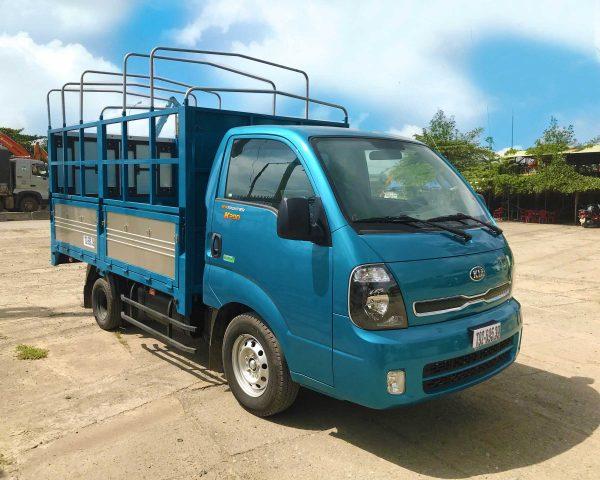 mặt-hông-Xe-tải-Thaco-Kia-K200-Thùng-Mui-Bạt-5-bửng