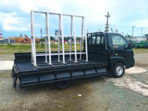 phía-sau-thùng-xe-tải-kia-k200-chở-kiếng-đá-hoa-cương