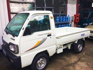 bên-hông-phải-xe-tải-thaco-towner-800-thùng-lửng