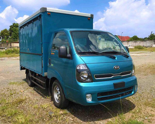 phía-trước-cabin-xe-tải-kia-k200-thùng-kín-cánh-dơi