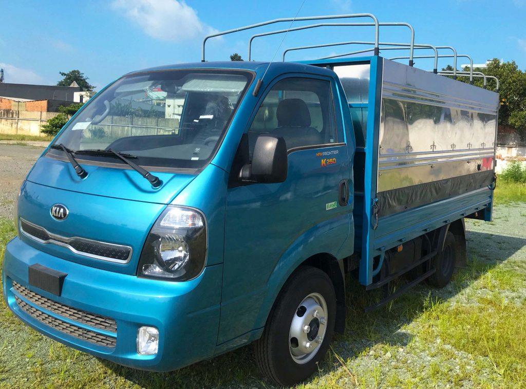 Xe-tải-2-tấn-Thaco-Kia-k250-thùng-Bạt-Xanh-Dương