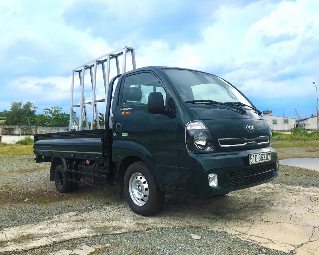 Xe tải Kia k200 chở kiếng đá hoa cương