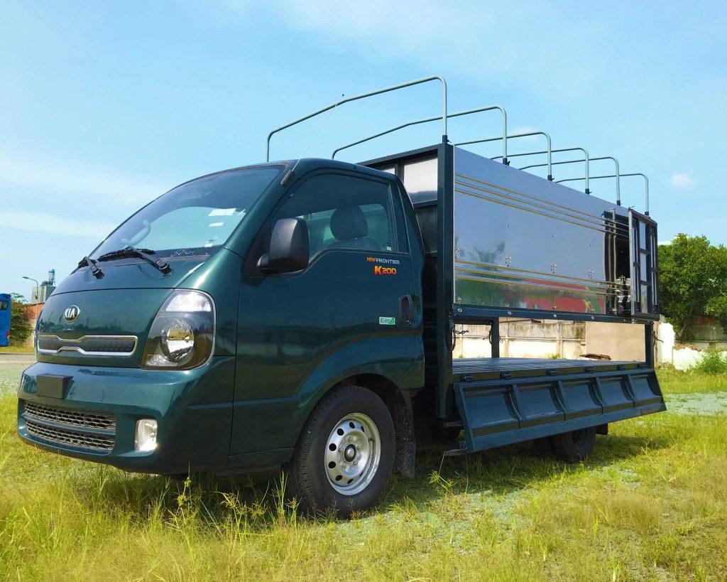 Xe-tải-kia-k200-thùng-bạt