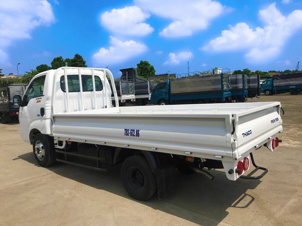 xe tải kia k250 thùng lửng màu trắng