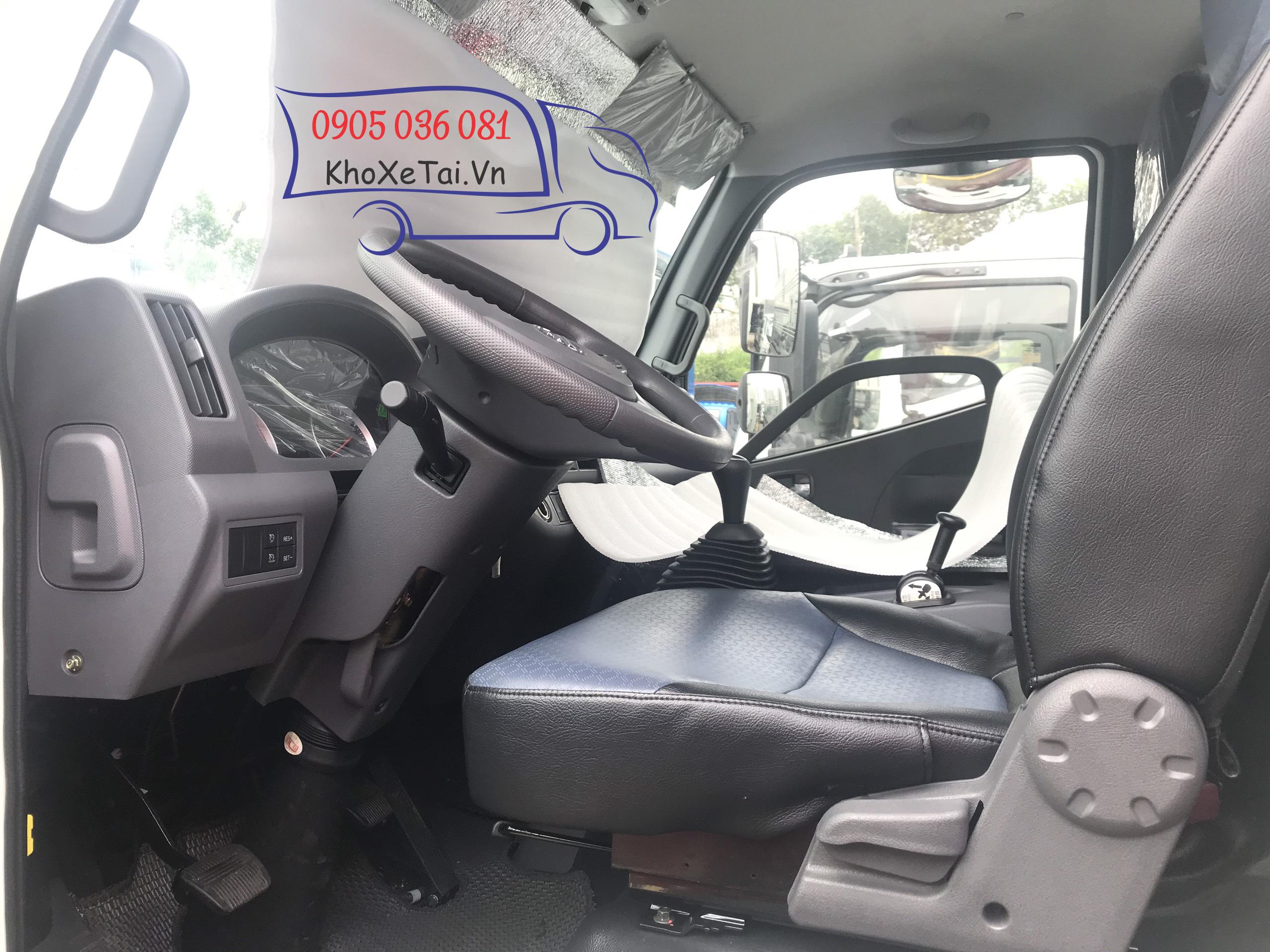 nội thất của xe ollin 700 5,8 mét